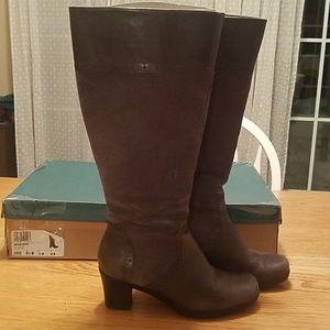 Clark's Gray Suede Boots